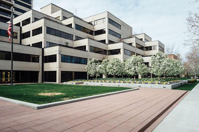 Governor's-Plaza